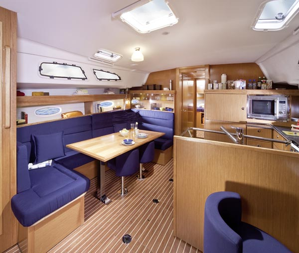 Bav51Cruiser_interior2