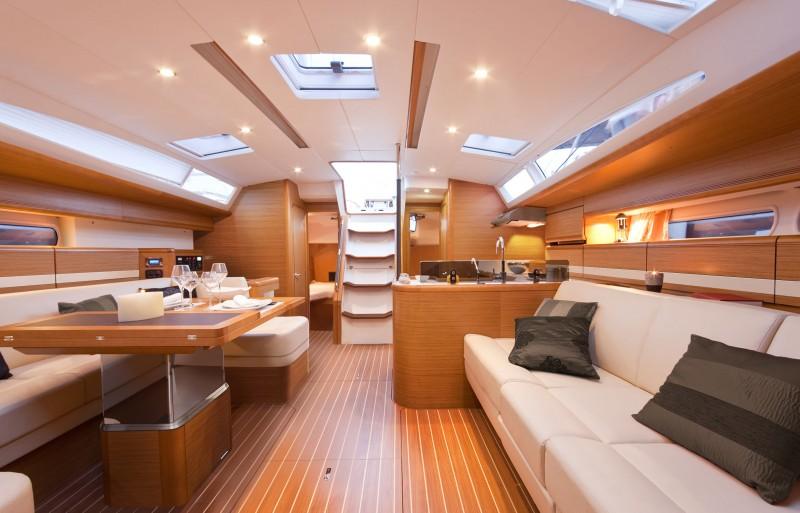 www.sailmarine.com  jeanneau-53-inside1