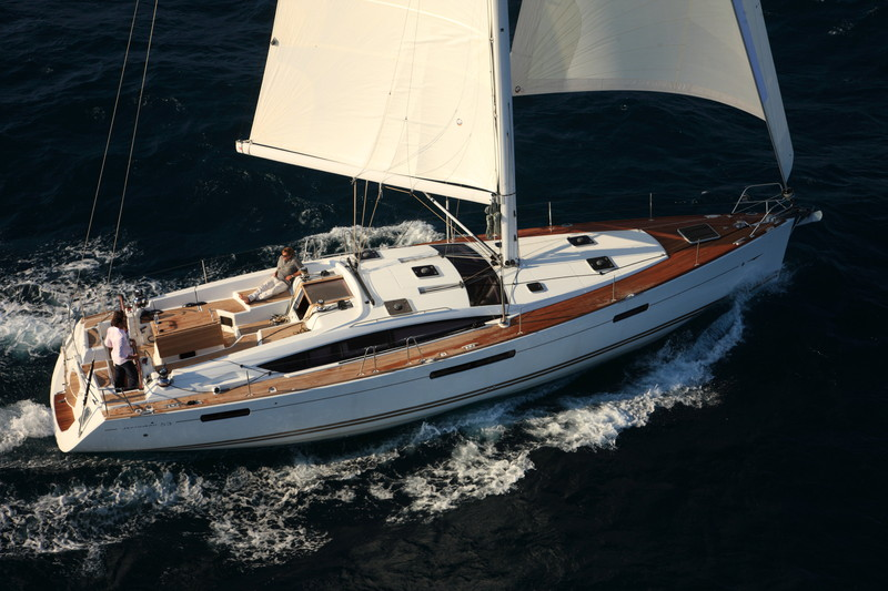 www.sailmarine.com  jeanneau-53-outside
