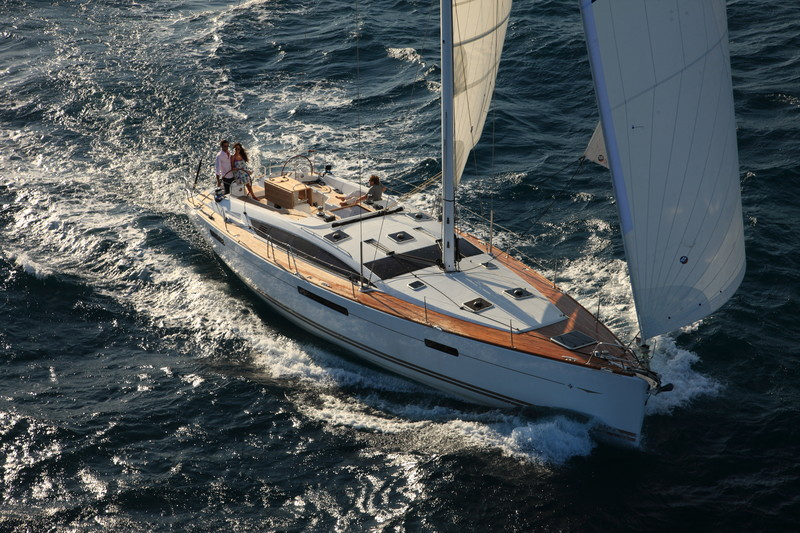 www.sailmarine.com jeanneau-53-outside3