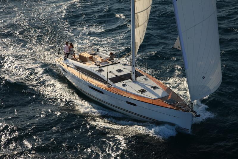 www.sailmarine.com jeanneau-53-outside3